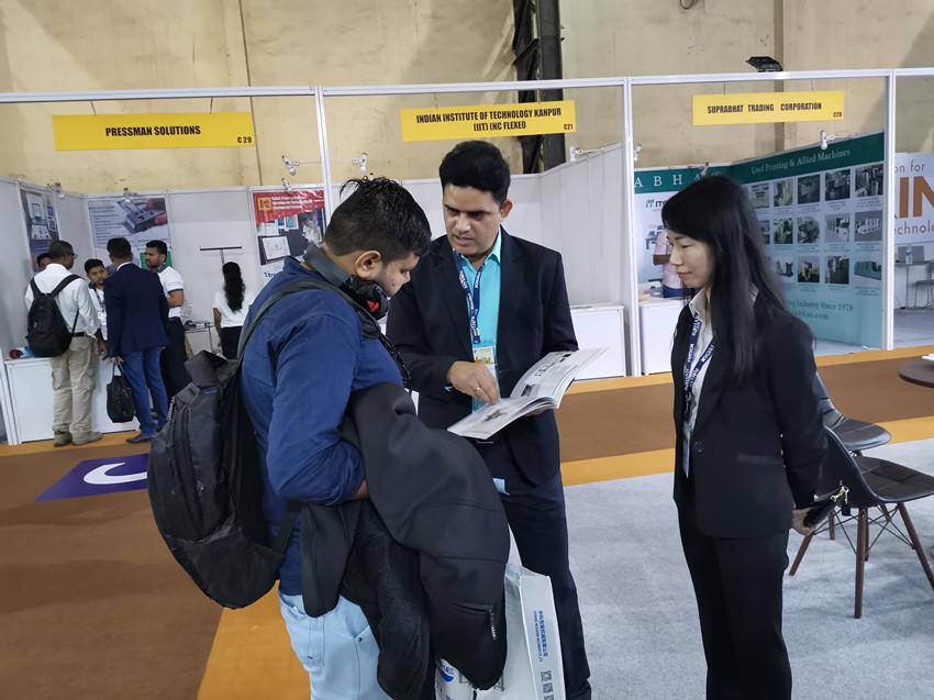 国外客户对鸿铭机械感兴趣